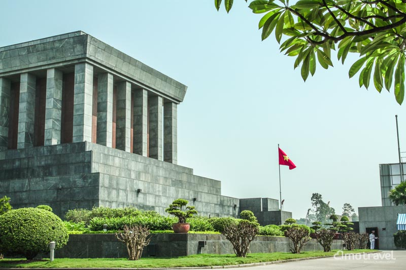 Ho Chi Minh Mausoleum_1_800px
